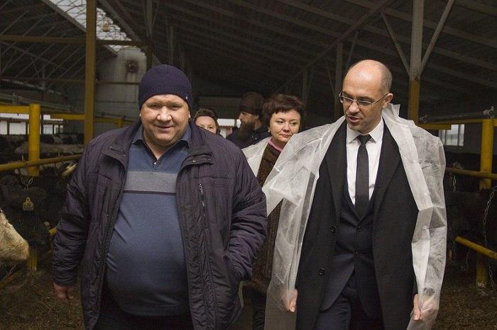 Александр Нечаев (слева) и Дмитрий Филиппов на открытии новой фермы